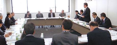 港湾民営化で福岡県博多港へ党調査団