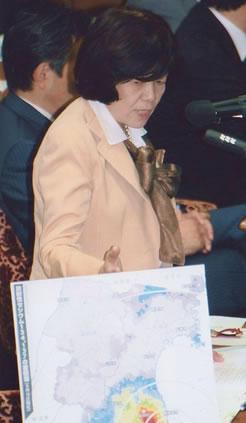 衆院予算委で阿部知子議員