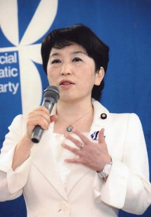 社民党「仕事始め」で福島党首が決意表明 社民党「仕事始め」で福島党首が決意表明 社民党の福島みず