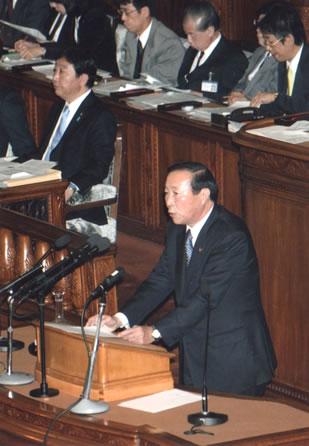 重野幹事長 代表質問で「一体改革」を批判
