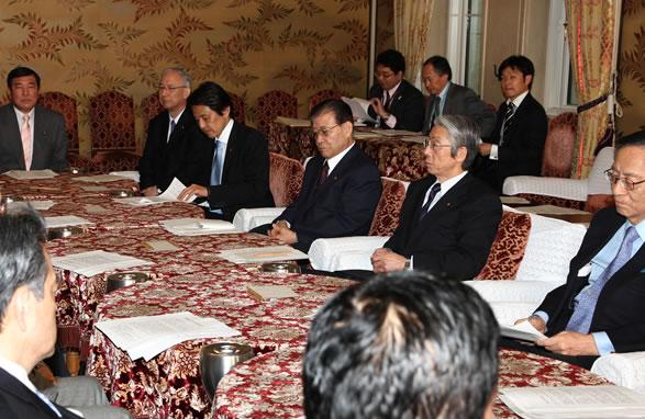 衆院選挙制度めぐる与野党幹事長会談